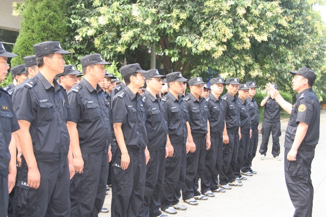 但使龙城飞将在――本溪赴川特警工作队指挥长韩文龙小记