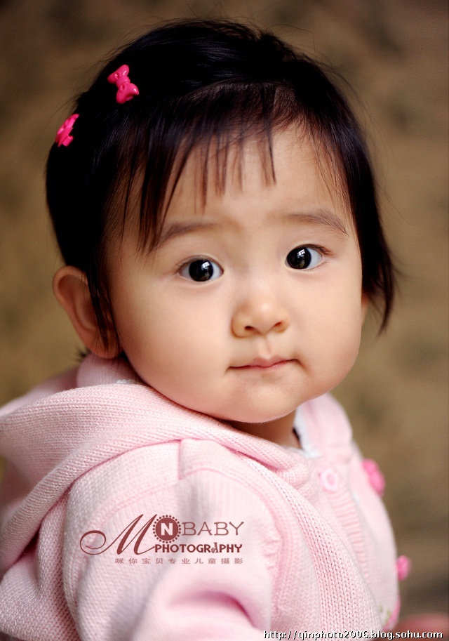 美丽可爱的大眼睛宝贝——1岁一一